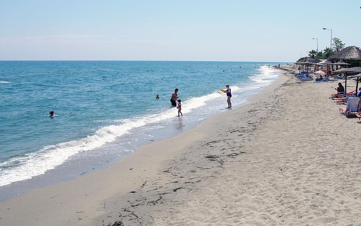 Παραλία Καστρί Λουτρό Δ. Τεμπών